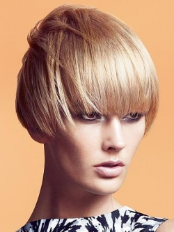 Hairstyles  with blunt bangs