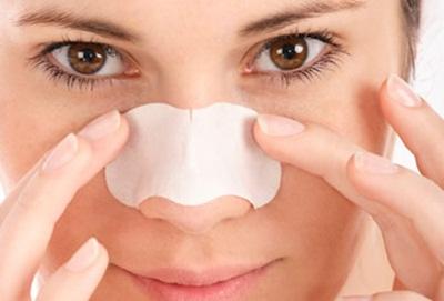 درمان طبیعی جوش های سرسیاه روی بینی
